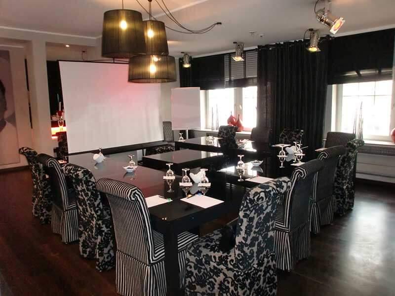 conferences stage 47 design hotel in duesseldorf. Black Bedroom Furniture Sets. Home Design Ideas
