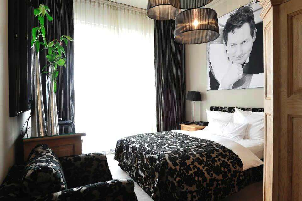 superior zimmer stage 47 design hotel in d sseldorf. Black Bedroom Furniture Sets. Home Design Ideas